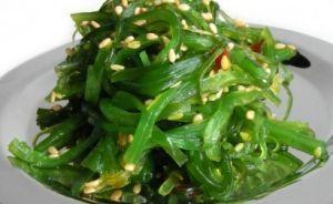 Rong biển trộn mè (Salad rong biển)